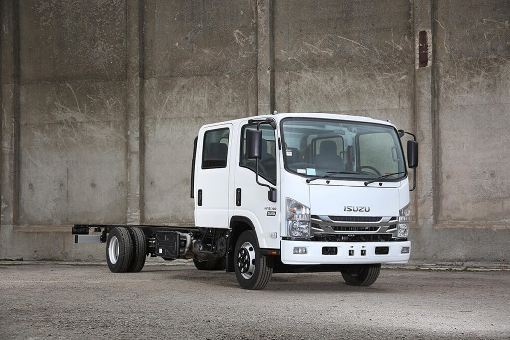Isuzu_N_Series_7point5T_1200x800_5