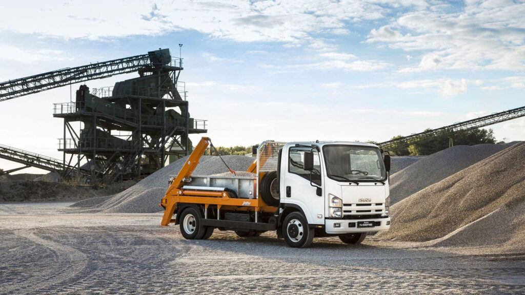 Isuzu_N_Series_7point5T_1200x800_6
